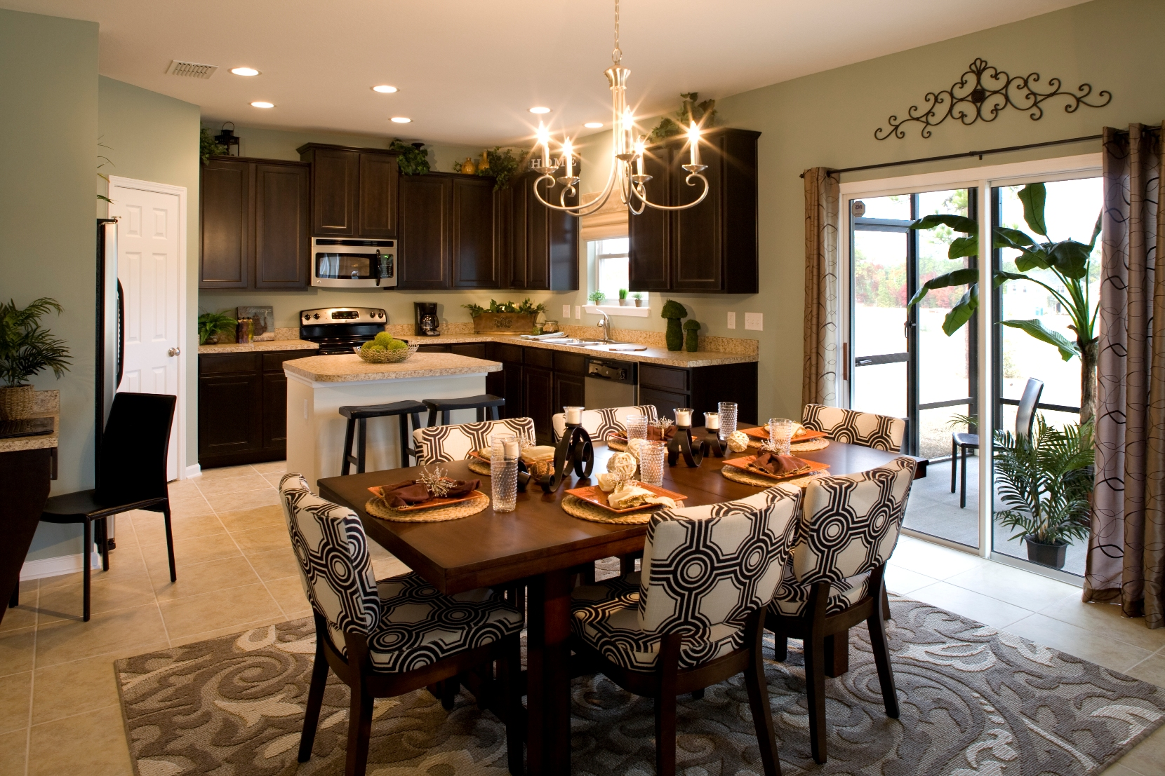 Greenpointe homes hosts successful grand opening at cedar for Model home kitchens