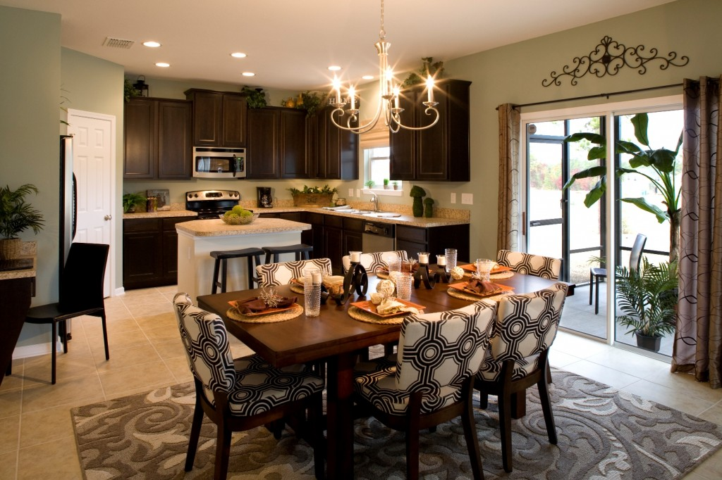 Greenpointe homes wins parade of homes award for model for Model home kitchen decor