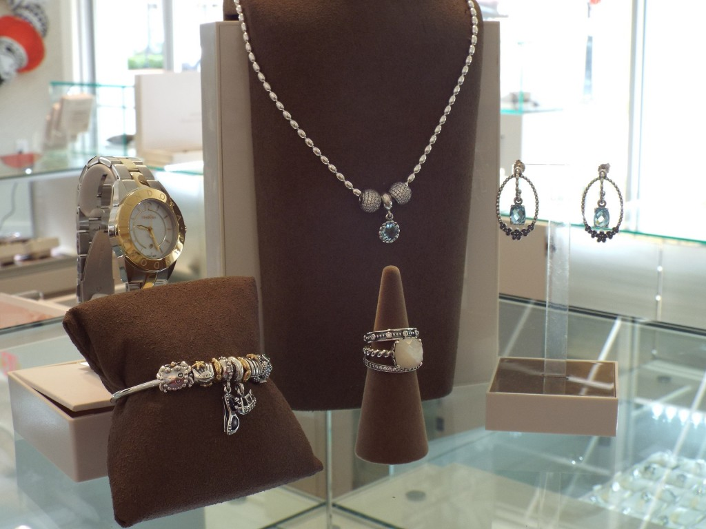 Pandora Celebrates Grand Opening Of First Northeast Florida Store At The St Johns Town Center May 23