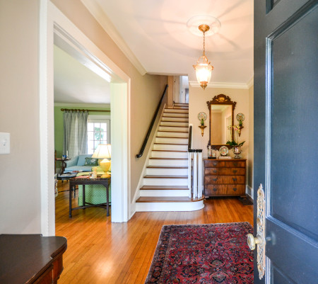 1836 Montgomery Place - foyer